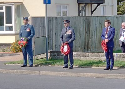 From L-R Captain Noble, RCAF, Wing Commander Flynn RAF, and Cllr Lee Upcraft, Mayor of Wallingford